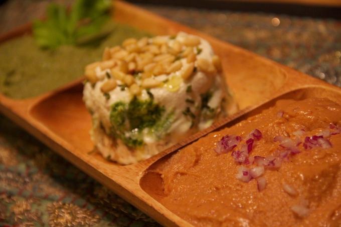 Vegan Dips & Cheese Tray
