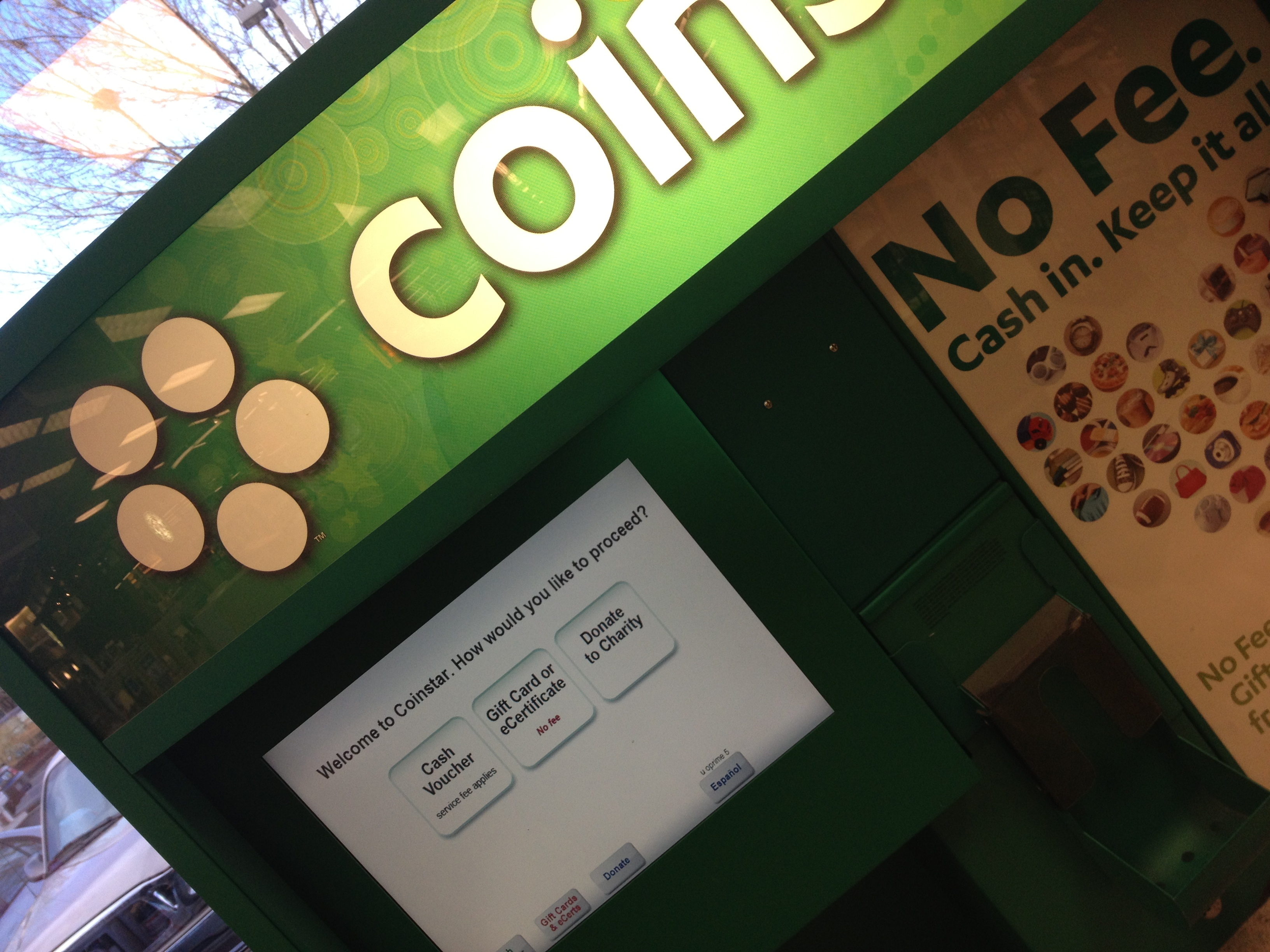 Find nearest coinstar restaurants : Funny cat pushing things